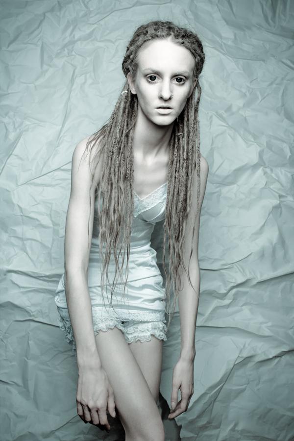 http://photos.modelmayhem.com/photos/130422/09/51756a942ff53.jpg