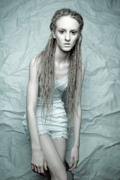 http://photos.modelmayhem.com/photos/130422/09/51756a942ff53_m.jpg