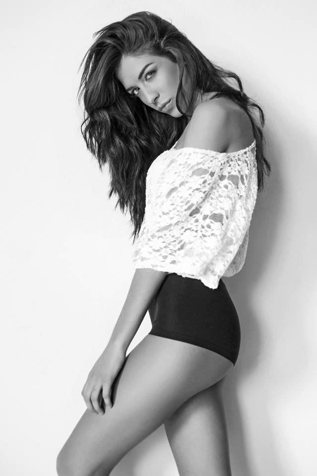 Female model photo shoot of Mel Salem