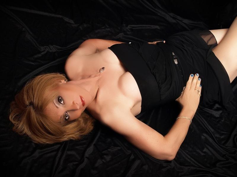 https://photos.modelmayhem.com/photos/130424/14/51784ecbdba3f.jpg