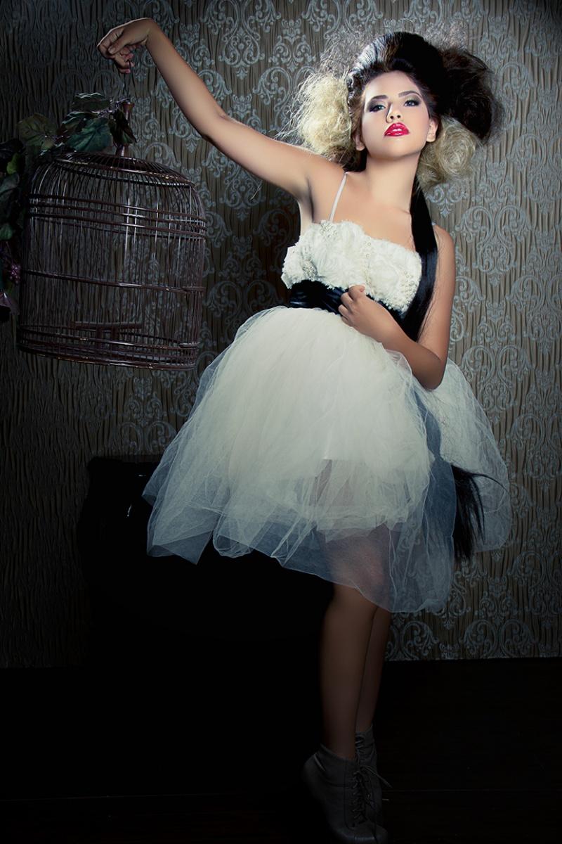 http://photos.modelmayhem.com/photos/130424/14/517851aa9cc72.jpg