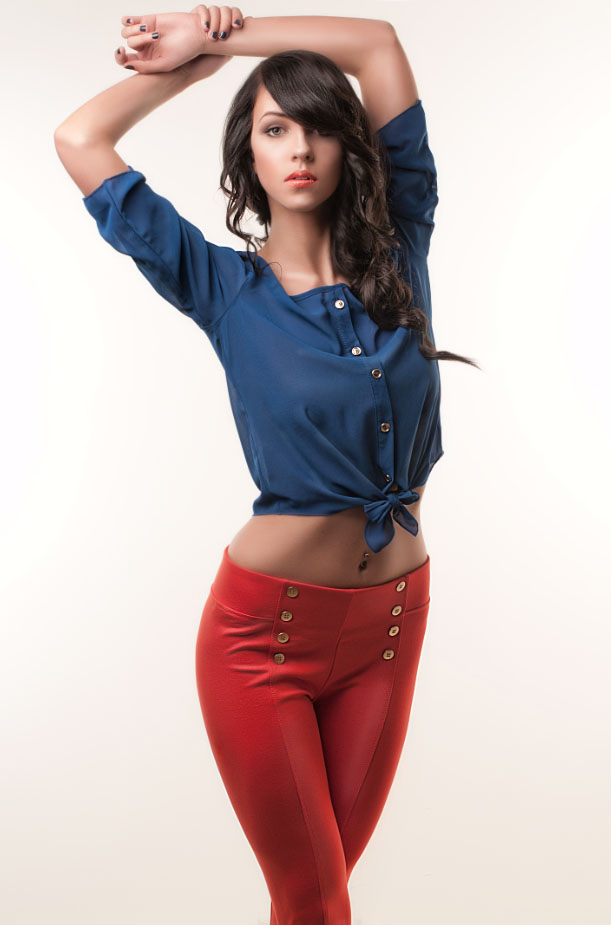 http://photos.modelmayhem.com/photos/130425/10/51796983ee8d6.jpg