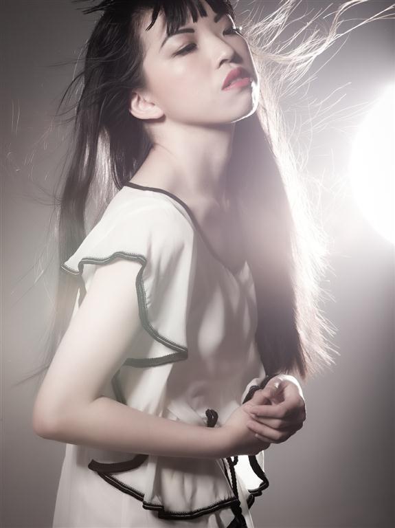 http://photos.modelmayhem.com/photos/130501/16/51819f3e06a93.jpg