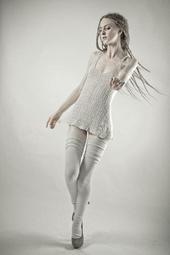 http://photos.modelmayhem.com/photos/130509/07/518bb5530a058_m.jpg
