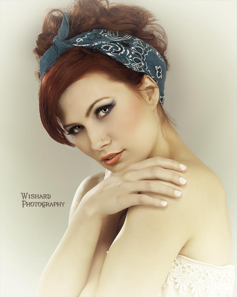 http://photos.modelmayhem.com/photos/130511/10/518e7fa51c027.jpg