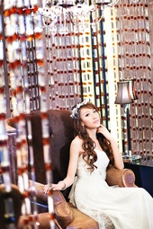 http://photos.modelmayhem.com/photos/130511/12/518ea2b7f0876_m.jpg
