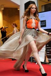 http://photos.modelmayhem.com/photos/130514/08/51925b6bafb97_m.jpg