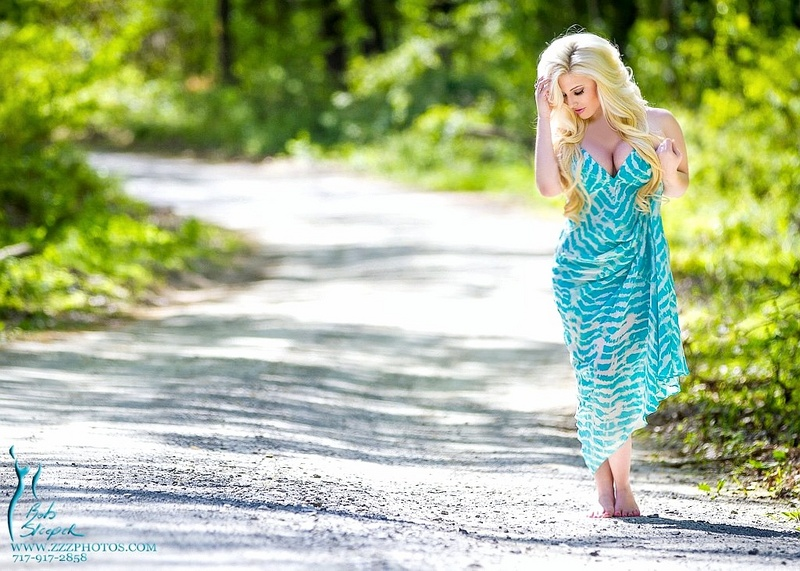https://photos.modelmayhem.com/photos/130514/08/51925eae3032c.jpg