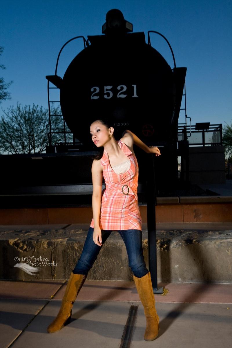 http://photos.modelmayhem.com/photos/130515/23/519476b5d4ac6.jpg