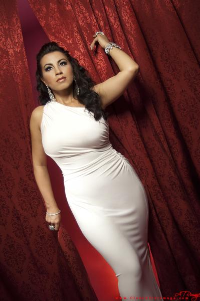 http://photos.modelmayhem.com/photos/130520/21/519af3a2dc604.jpg