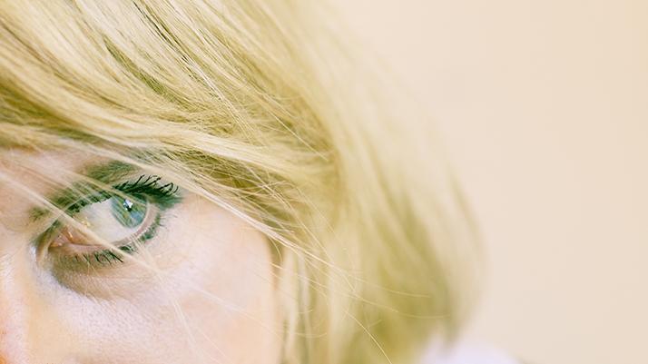 Female model photo shoot of Kaypod