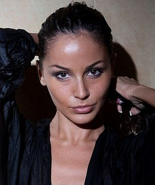Female model photo shoot of Anya Joy