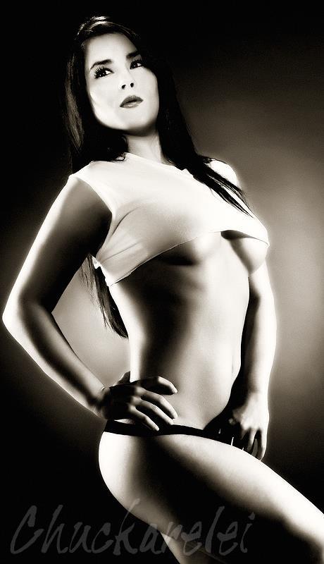 http://photos.modelmayhem.com/photos/130522/23/519db318adad0.jpg