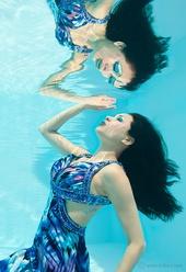 http://photos.modelmayhem.com/photos/130524/17/51a00970433e3_m.jpg