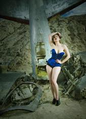 https://photos.modelmayhem.com/photos/130525/12/51a10d29c50c3_m.jpg