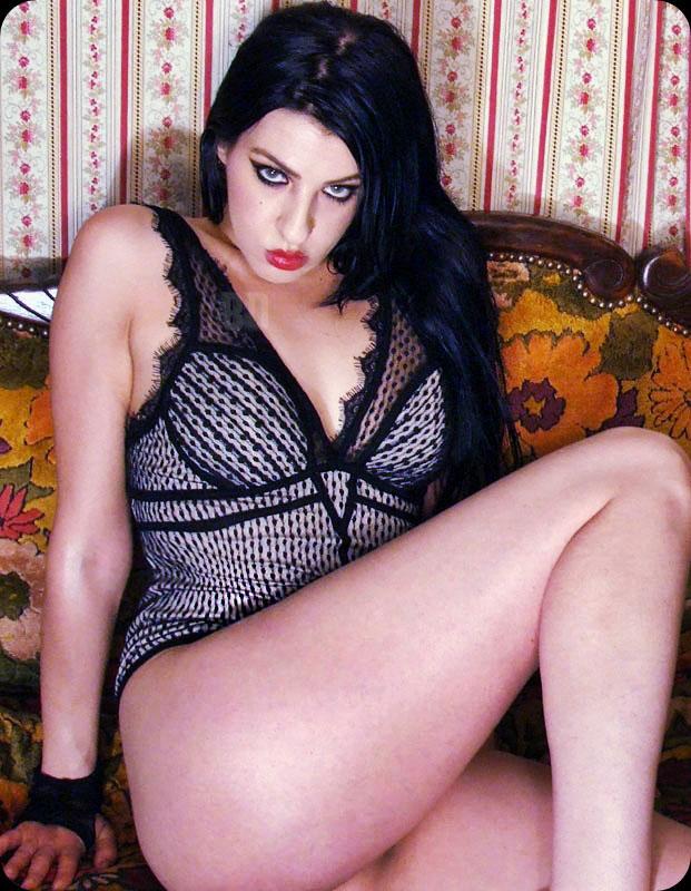 Female model photo shoot of Brandy Hellcat Noir