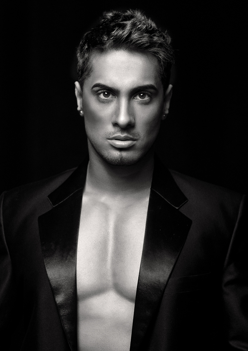 Male model photo shoot of Mun Dhariwal by IRVEN LEWIS