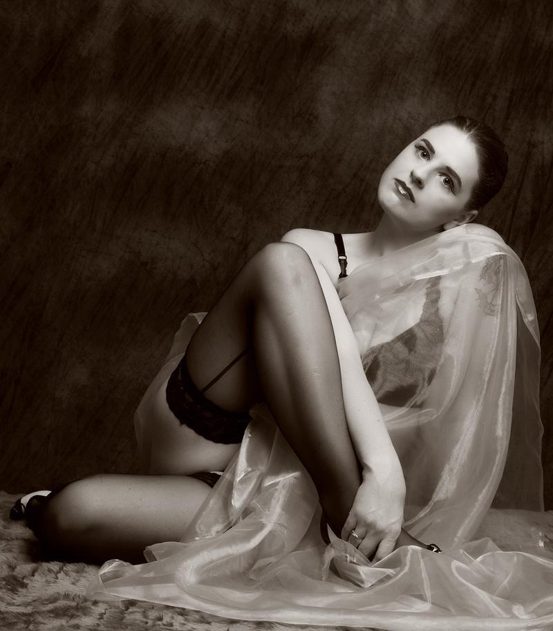 http://photos.modelmayhem.com/photos/130530/06/51a755e782e17.jpg