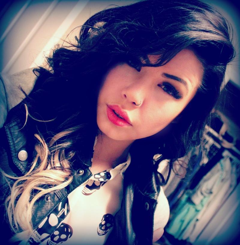 Female model photo shoot of Chelsey Alexandra