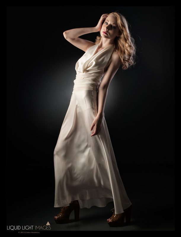 http://photos.modelmayhem.com/photos/130605/12/51af9710354f6.jpg