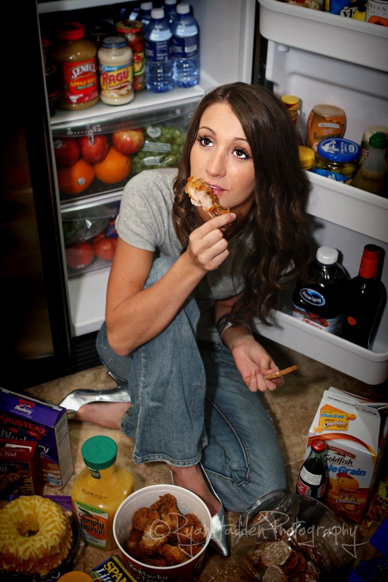 http://photos.modelmayhem.com/photos/130606/11/51b0db24e5ab0.jpg