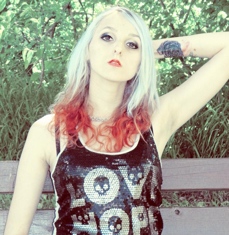 http://photos.modelmayhem.com/photos/130609/11/51b4cc8e9a3d7.jpg