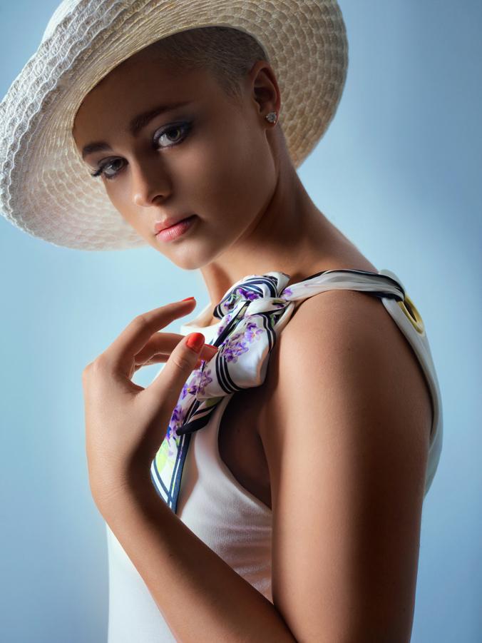 http://photos.modelmayhem.com/photos/130612/12/51b8cb58bd16b.jpg