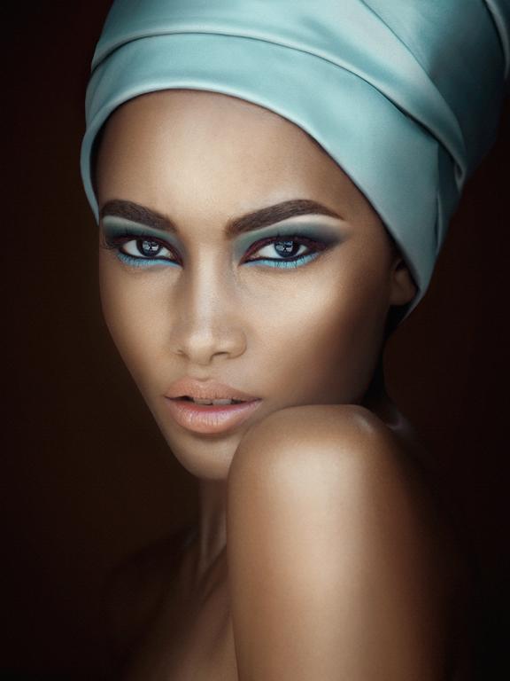 Female model photo shoot of GRISELLEMUA