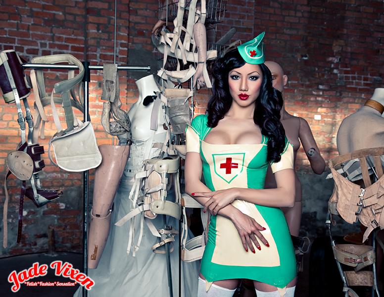 District VII GAllery Detroit, MI Jun 18, 2013 Jade Vixen for Torture Garden Clothing