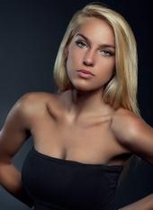 http://photos.modelmayhem.com/photos/130622/14/51c612408b8d8_m.jpg