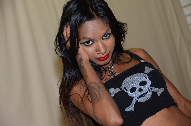 philadelphia Jun 23, 2013 lizzypierce-daggers modeling exotic beauty