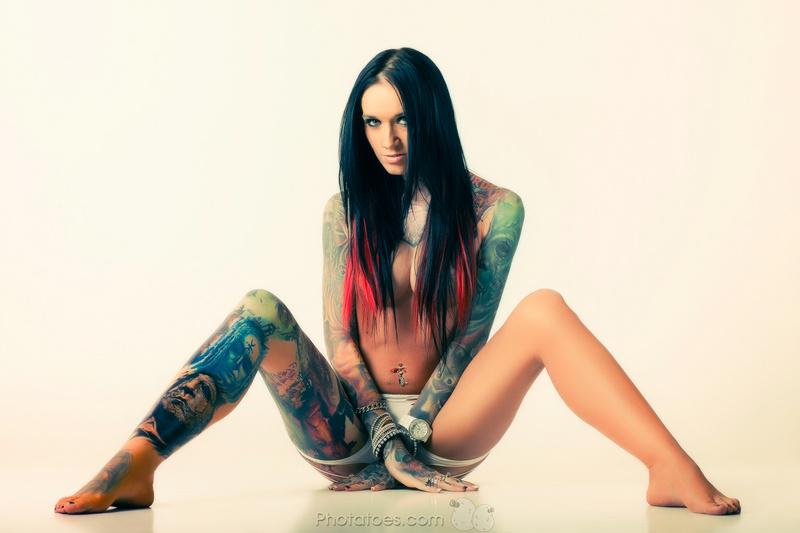 Female model photo shoot of Rachelle Nicole Hoffman