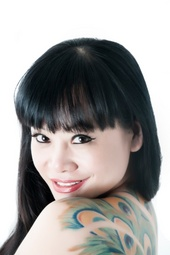 http://photos.modelmayhem.com/photos/130628/16/51ce1a263e07f_m.jpg