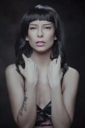 https://photos.modelmayhem.com/photos/130629/04/51cec68189071_m.jpg