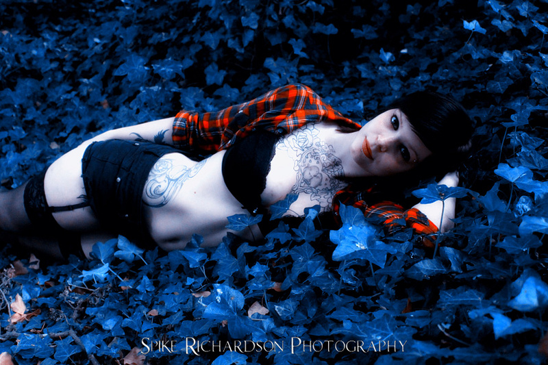 Male and Female model photo shoot of Spike Richardson and Lorii Suicide