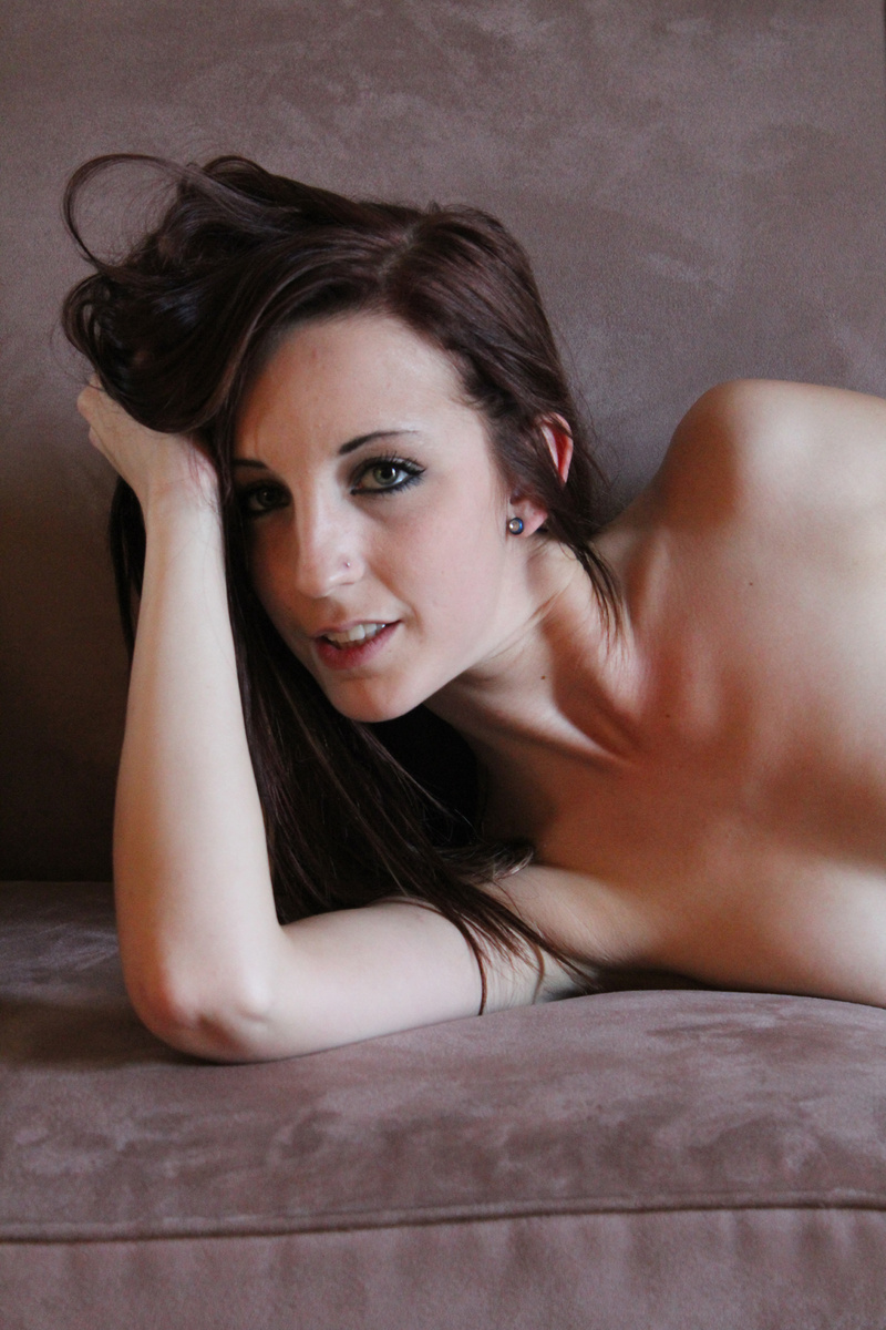 http://photos.modelmayhem.com/photos/130703/18/51d4cf3e5d58f.jpg