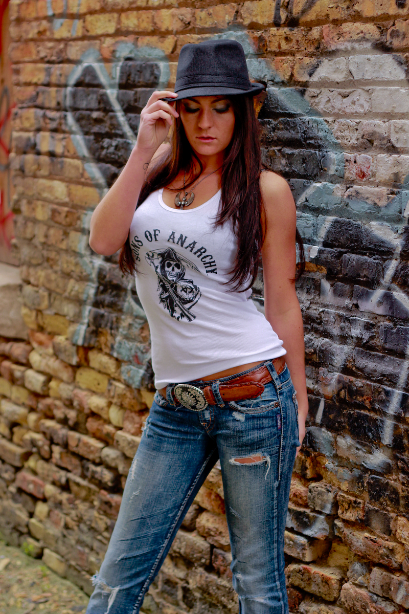 http://photos.modelmayhem.com/photos/130704/13/51d5dfea950f8.jpg