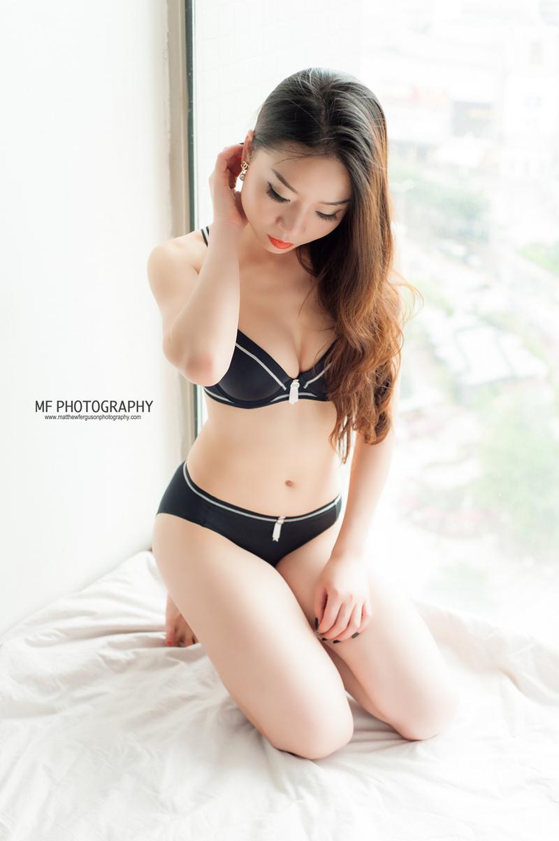 http://photos.modelmayhem.com/photos/130706/06/51d81fbf6621c.jpg