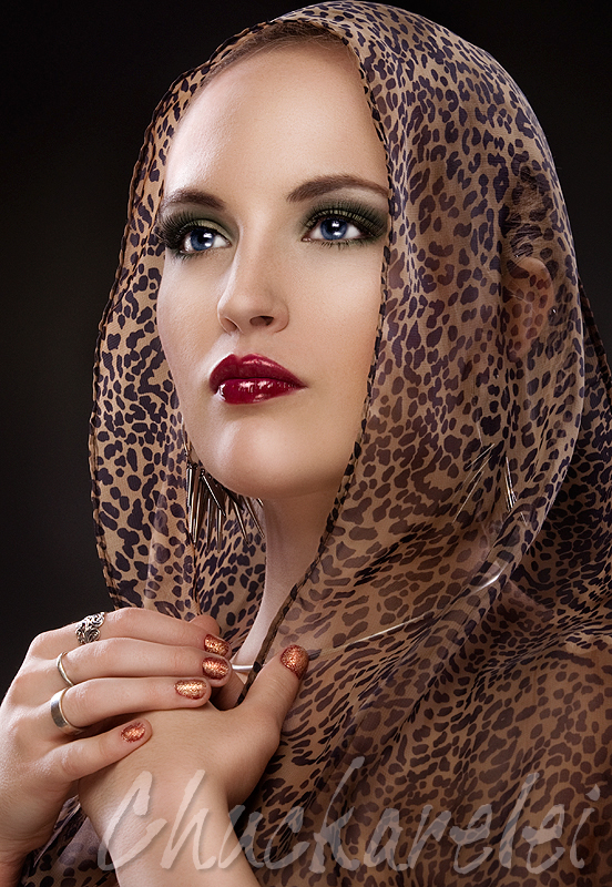 https://photos.modelmayhem.com/photos/130707/13/51d9cafeb5a9a.jpg