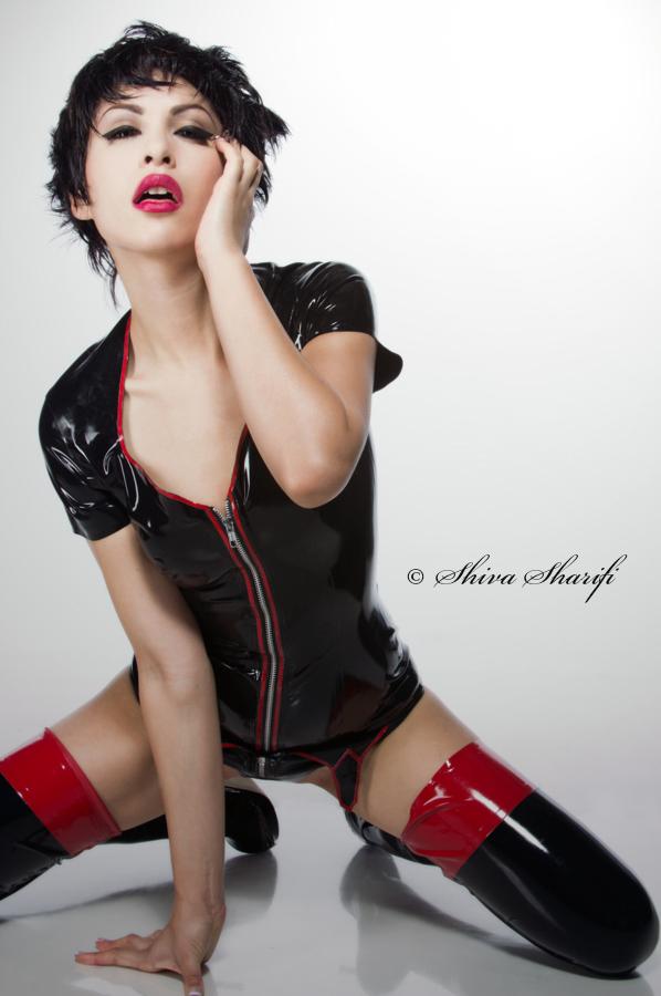 https://photos.modelmayhem.com/photos/130710/00/51dd134217df9.jpg