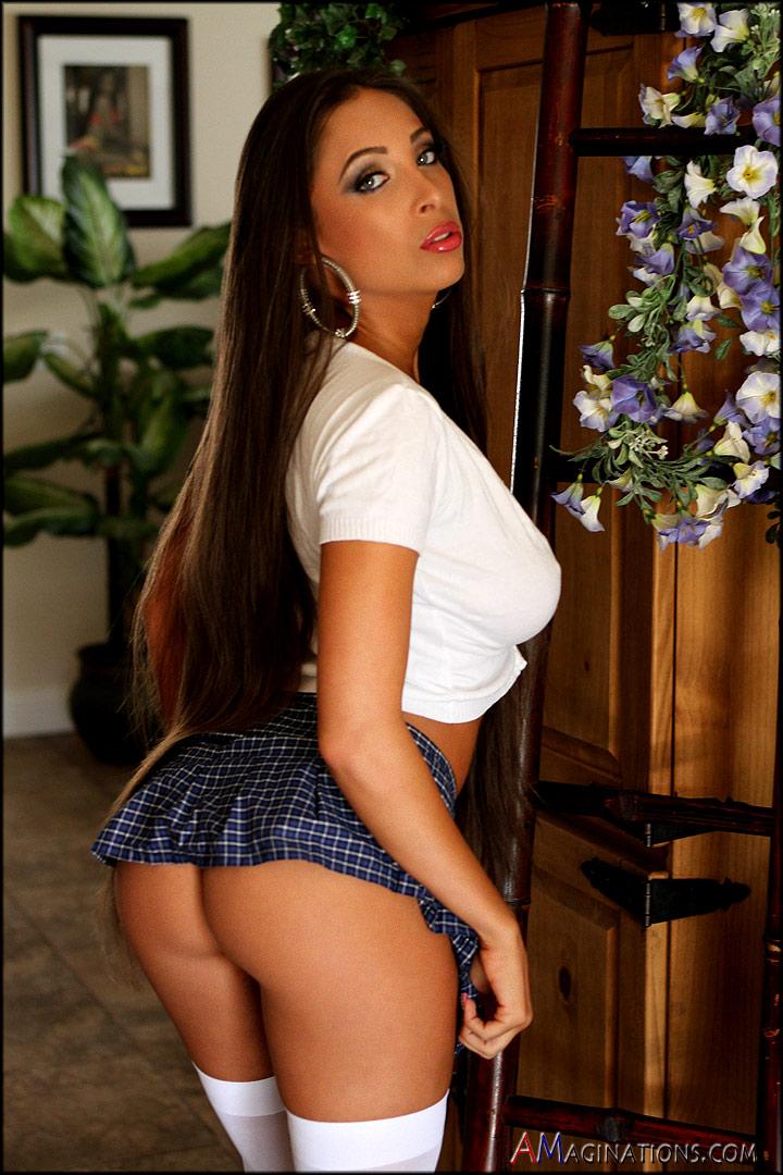 http://photos.modelmayhem.com/photos/130715/19/51e4acac10a77.jpg