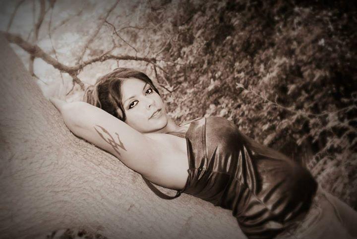 Female model photo shoot of Cinnamongrl