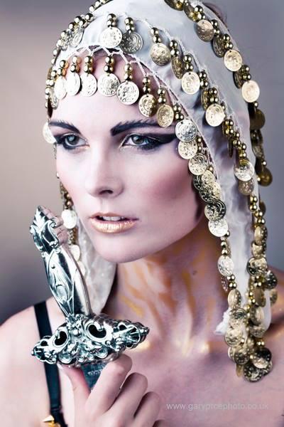 http://photos.modelmayhem.com/photos/130718/14/51e85e2ab1321.jpg