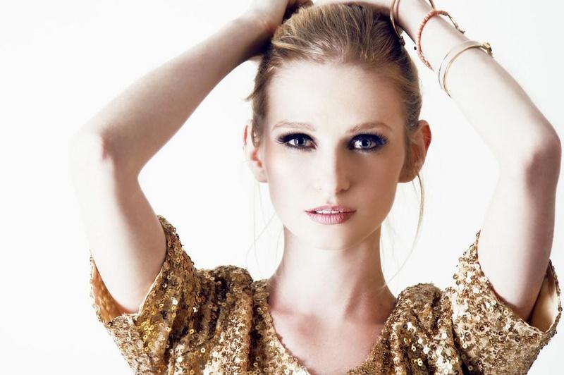 Female model photo shoot of Pearls Beauty in in studio, Tempe, AZ