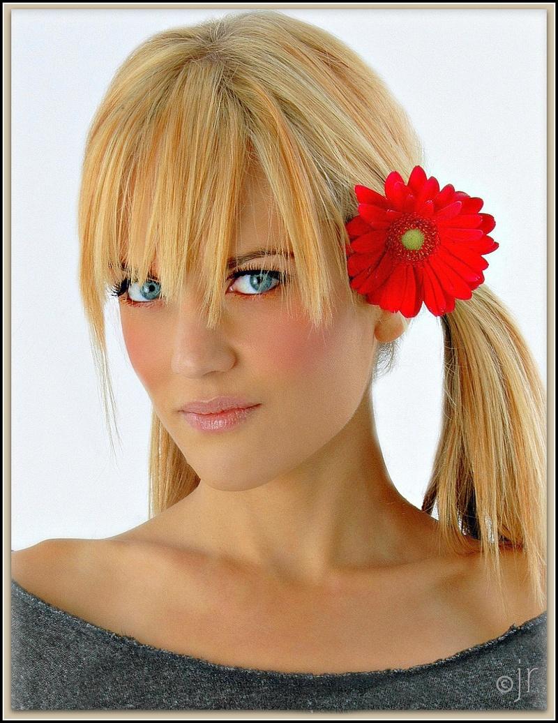 http://photos.modelmayhem.com/photos/130731/20/51f9dabc9625e.jpg