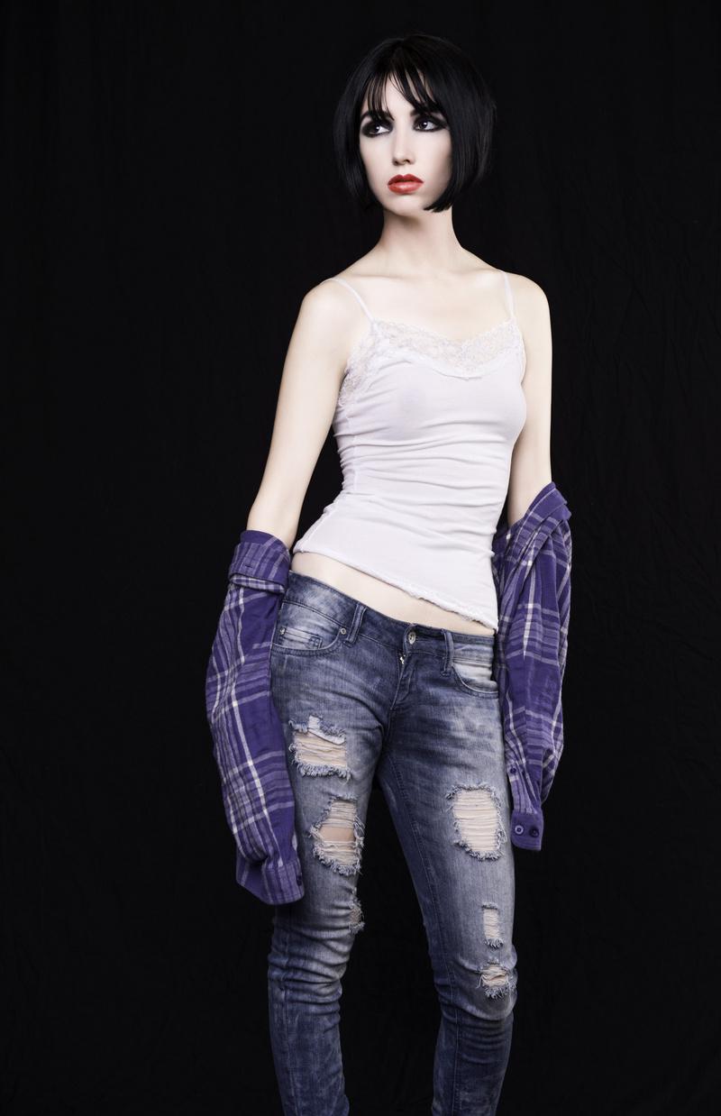 http://photos.modelmayhem.com/photos/130811/22/5208700b38273.jpg