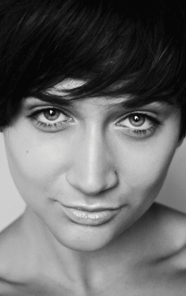 Female model photo shoot of Marina Violin