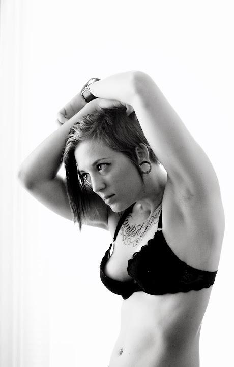 Female model photo shoot of LauraPaige