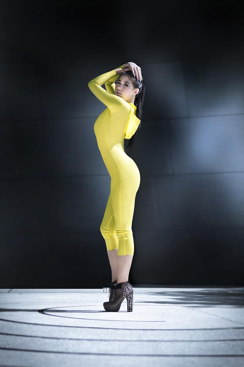 http://photos.modelmayhem.com/photos/130818/16/5211593d21bb1.jpg