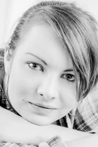 Female model photo shoot of Mitzyyy